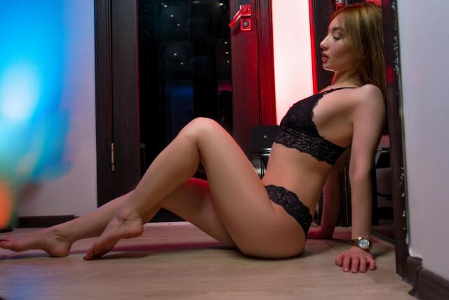 AminaWong nude webcam porn on cams.com