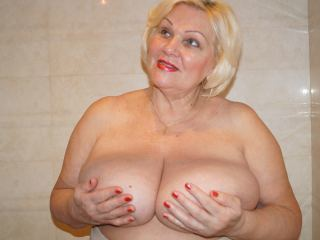 Blondibomb live cam porn