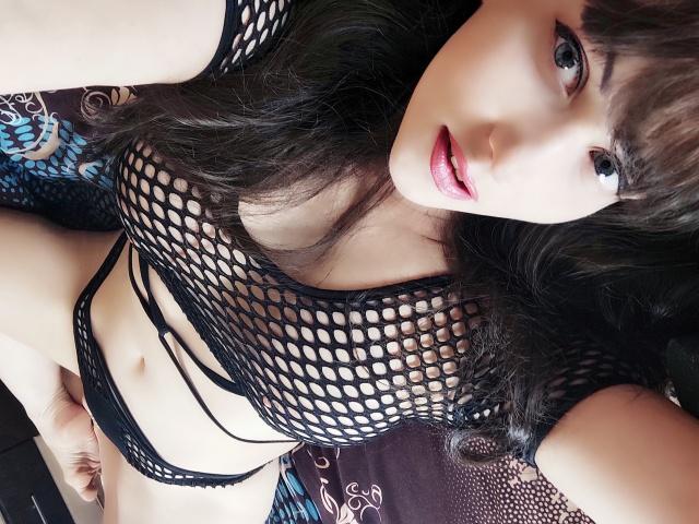ClassyVeronika nude webcam porn on cams.com