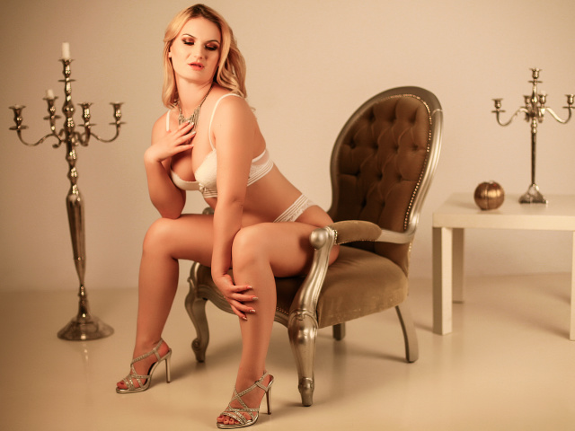 DelightedMarie nude webcam porn on cams.com