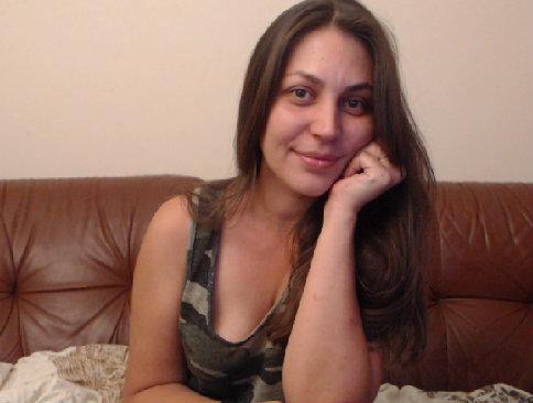 Feala nude webcam porn on cams.com