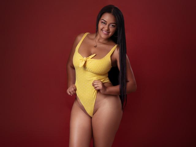 KarlaGucci nude webcam porn on cams.com