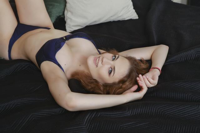ManyaArt nude cam