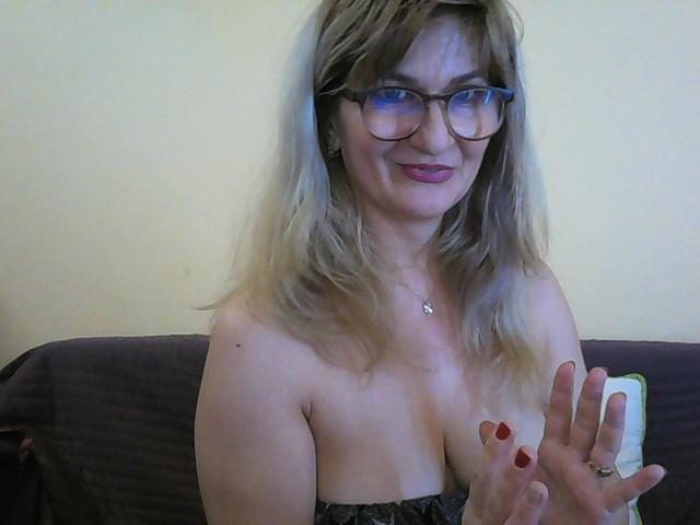 MatureStyle nude webcam porn on cams.com