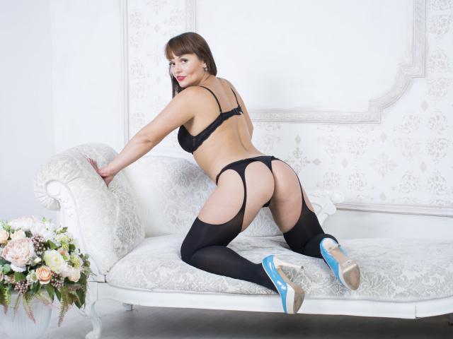 Prettyasswow nude cam