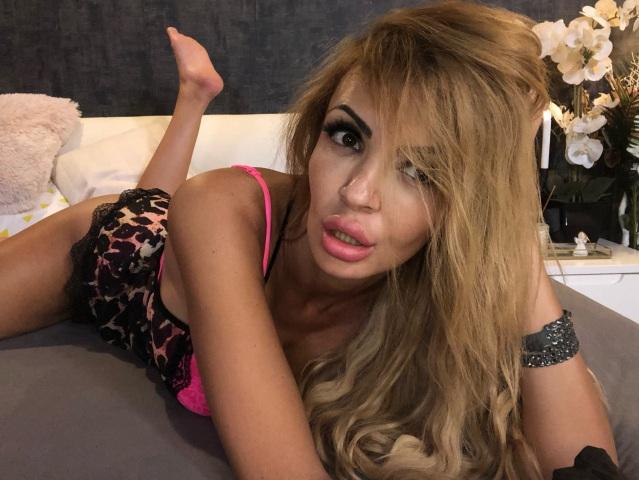 lovegenie nude webcam porn on cams.com